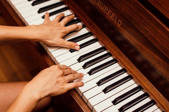progresser plus vite au piano sans s'acharner