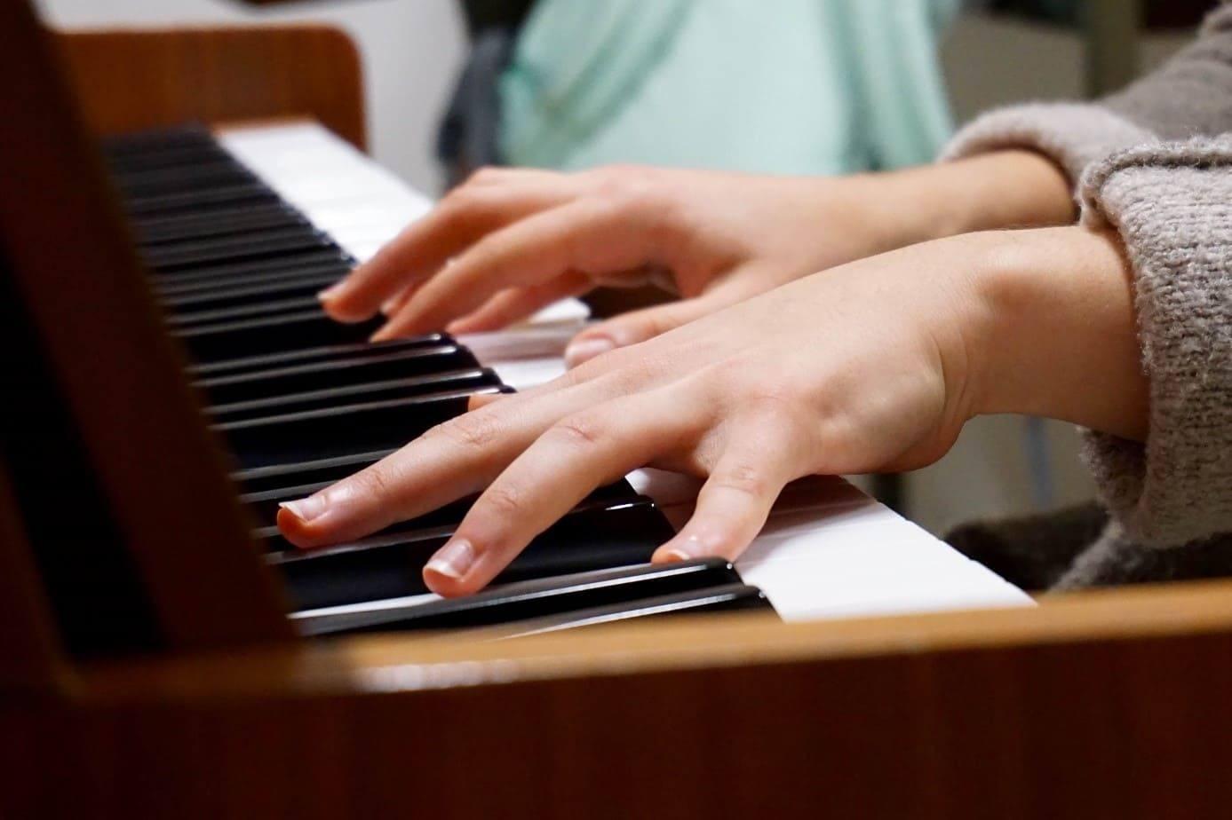 pianiste-progresser-beaucoup-plus-vite-en-musique