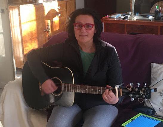 Témoignage Ouimusique Guitariste Martine Aloé